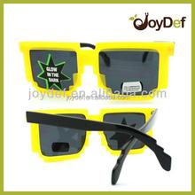 2015 Pixelated yellow irregular quadrate nerd sunglasses Retro Novelty Nerd Geek Gamer pixel Sunglasses