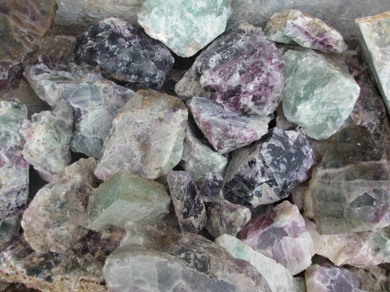 Semi Precious Gemstone Raw Stone : Natural green fluorite rough stones raw