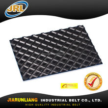 Square top conveyor belts for wood processing machine