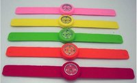 Wholesale customized silicone adjustable slap watch wrist bands