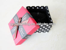 Recycled paper gift box with round dot for wedding