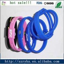 2012 hot flexible silicone soft plastic wristband