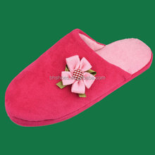 BHS096260 fashion cheap lady soft fleece indoor slipper with knitted flower