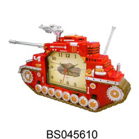 Luxury Plastic CE Quartz Musical War Tank Table Alarm Clock for Children's Bedroom