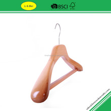LM2343 OEM Deluxe Wooden Heavy Duty Clothes Hangers With Broad Shoulder