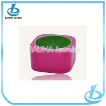 Fashion dyeing pink color square acrylic bangle in alibaba