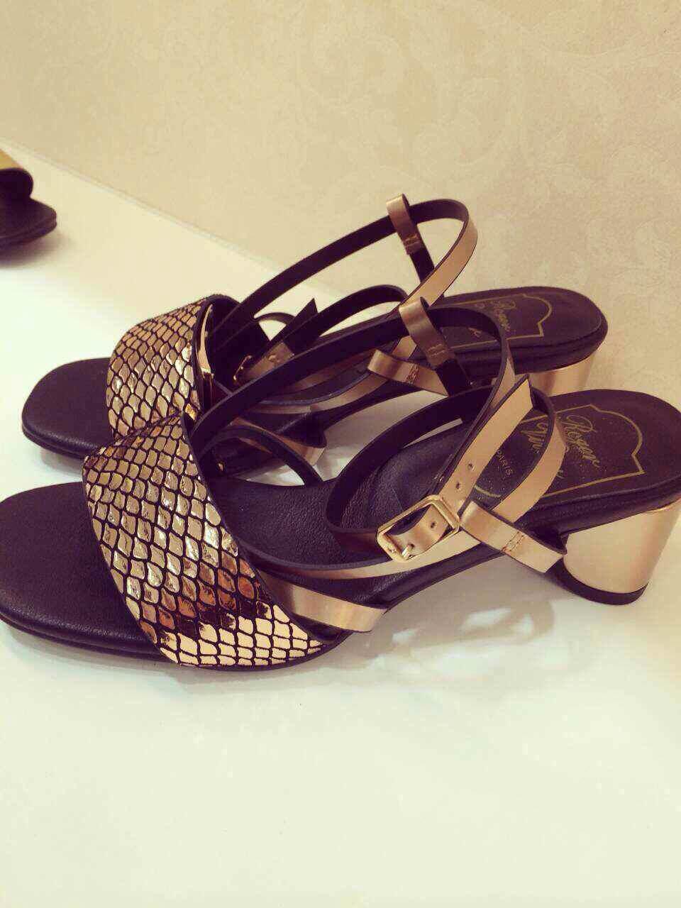 mature women low heel sandal shoes simple fashion design sandals