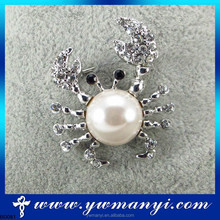 Wholesale factory price small crab pearl brooches with new fashion