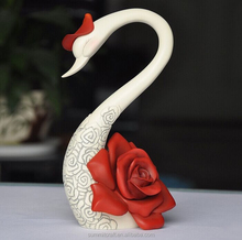 Creative roes resin swan figurine wedding gift