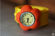 Cheap wholesale new fashion flower students silicone slap smart watch