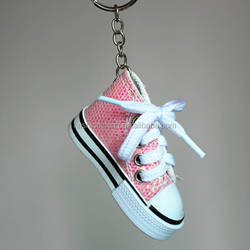 Mini shoe keychain with custom logo,made of quality canvas material