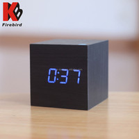 Low MOQ blue or green led light clock without battery