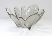 Solid colorful flower shaped glass plate/dish/tray