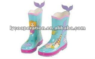 Güzel kidorable Kids ayakkabıları. Yağmur çizmeleri, çocuk botları