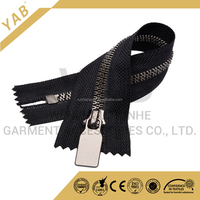 YAB Custom Wall-Shape Teeth Large Plastic Zipper For Luggage Bags