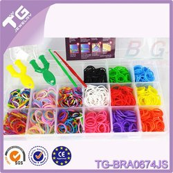 2014 Cheap colorful loom bands kit with 4200PCs band+2hooks+2 Y shape tool+24clips+1 specification