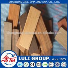 Ingegneria legno/legno sintetico in una fabbrica di porcellana