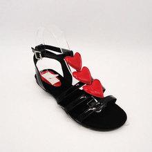 Medio ambiente material de la PU payless shoes para las muchachas
