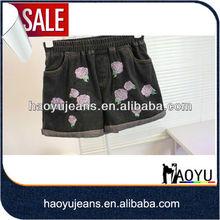 Decoración de la flor de la impresora chica pantalones cortos de jean( hys711)