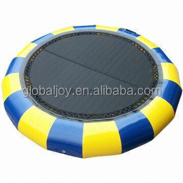 cavalier de l 39 eau eau trampoline pour les enfants et les adultes trampoline gonflable pour parc. Black Bedroom Furniture Sets. Home Design Ideas