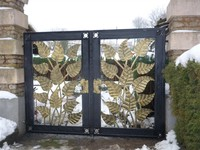 Economic and durable main house iron gate design