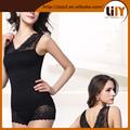 Modelos de ropa interior para mujer con forma de v detrás delante de la ropa interior