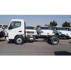 High Quality 2015 model Mitsubishi Canter 4.2 Diesel, Chassis and Cargo Body