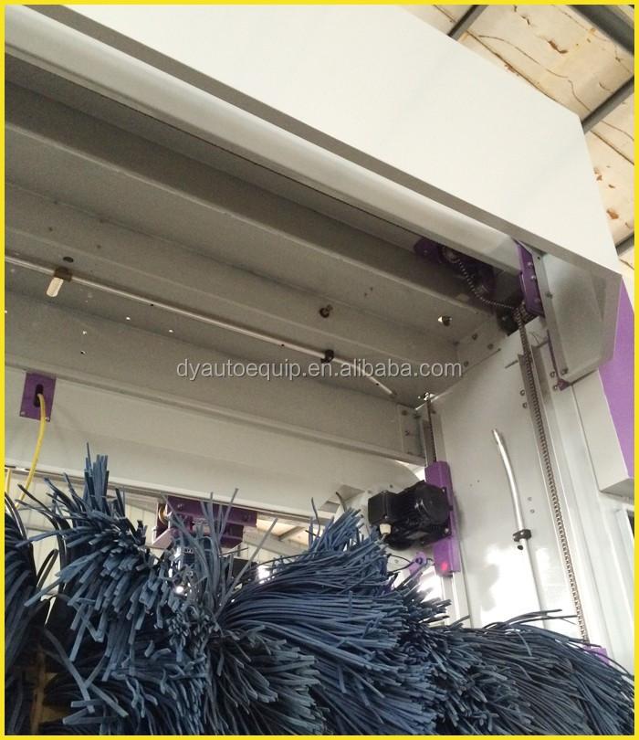 Roulis entièrement automatique de lavage de voiture prix de la machine avec 5 brosses et airblowers