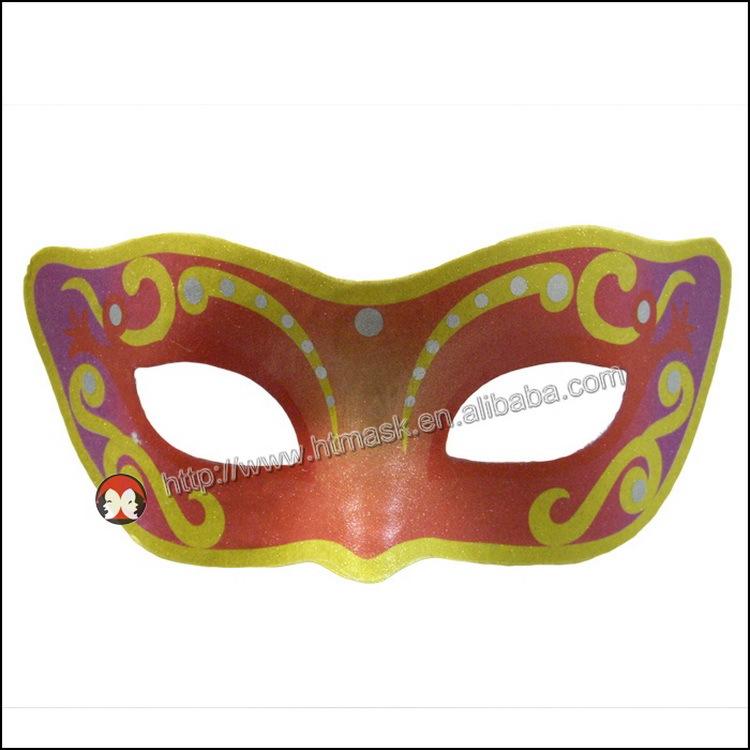 Le masque nettoyant pour la personne laspirine et le miel