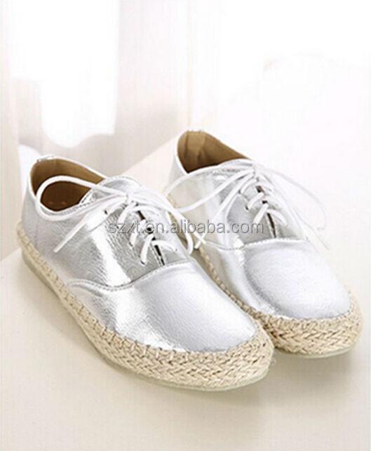Últimas muchachas plateado cordones zapatos casuales mujeres del otoño invierno nuevo estilo alpargatas los zapatos de