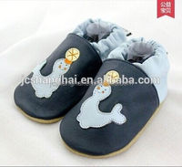 2015 HOT selling petals shoes kids used second hand shoe baby moccasins Tipsie Toes brand black baby crib shoes