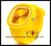 Cheapest customized logo silicone jelly wrist watch for fashion teenagers