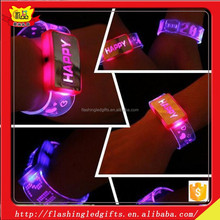 LED flashing silicon wristbands bracelets with different color LED 2015 music festival items led silicone bracelet