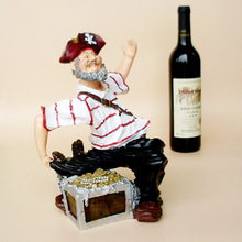 New Product craft creative people pirate captain resin ornaments wine rack wine rack can hold two bottles