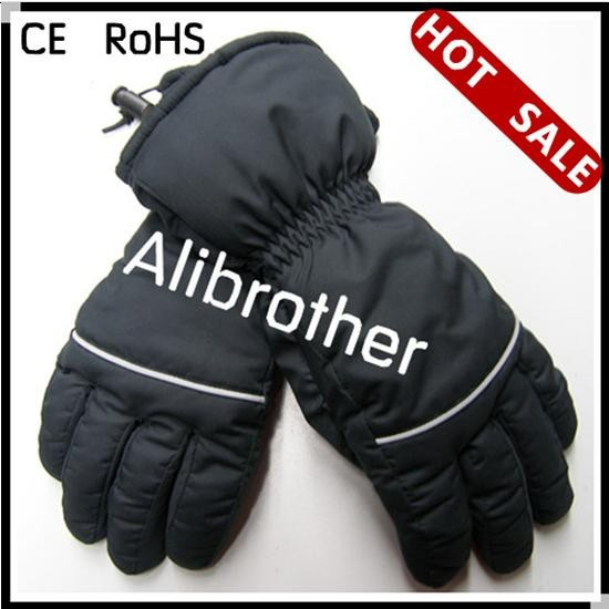 Heating gloves with CE RoHS.JPG