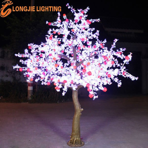 White outdoor lighted christmas trees Outdoor christmas tree photos