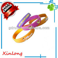 beautiful and cheap half inch silicon arm band for pomotional gifts