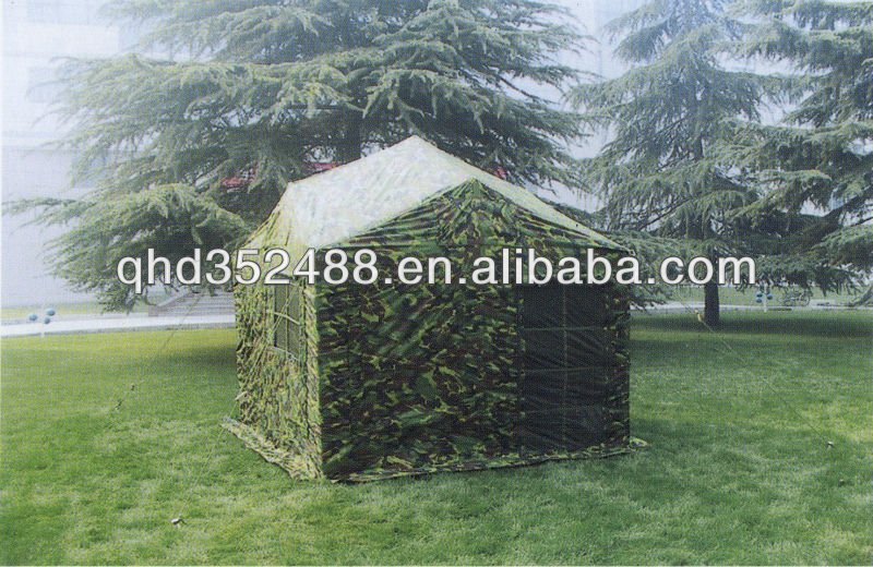 5 pessoas tenda militar do exército
