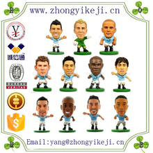 2015 chinese factory custom made handmade carved hot new product resin football player figure