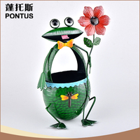 Good quality PONTUS frog shaped metal iron flower pot