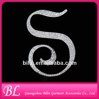 Newest Style Fashion Custom Letter Rhinestone Brooch Pins