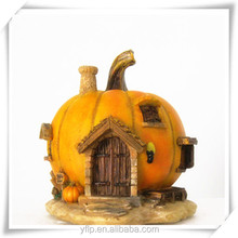 Pumpkin Shape Resin Fairy Garden House Craft with LED Lights for Halloween Decoration or Gift