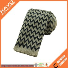 classic white and black wave stripe polyester knitted tie