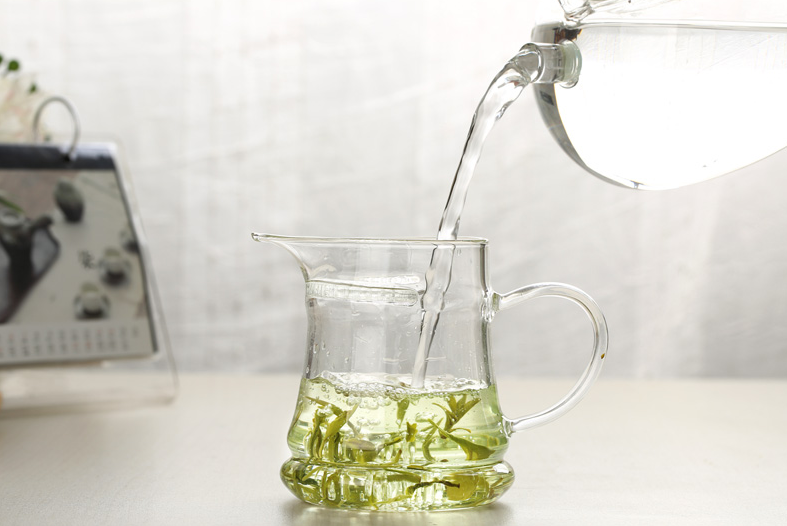 tea-cup-glass.png