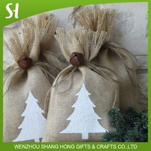 Special design New year winter jute linen candy drawstring gift bag with Xmas Christmas tree wreath garland