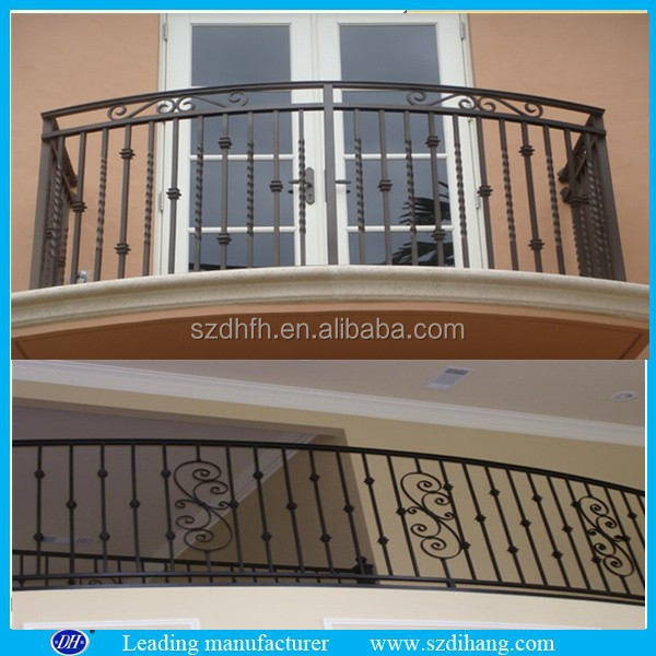 Iron grill design for balcony wrought iron balcony designs for Balcony models