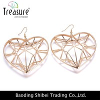 wonderful handmade heart pendant earring holder for women
