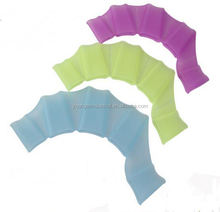 FDA standard good quality hot sell webbed swimming gloves