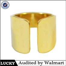 Fashion hot sale style rings lucky hand stamp wide gold band rings