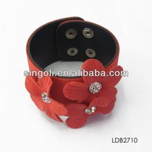 2014 China wholesale new product red flower cluster design bracelet with crystal for kids